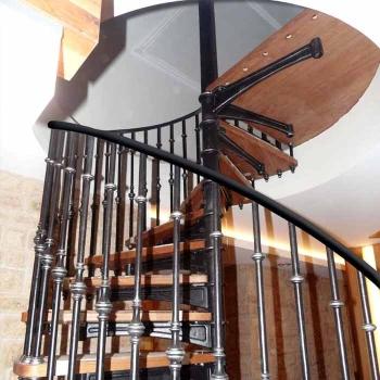 """Чугунная винтовая лестница """"вл-4100"""""""