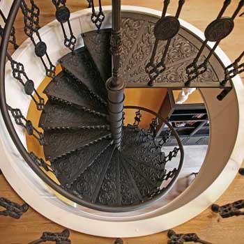 """Чугунная винтовая лестница """"вл-4102"""""""