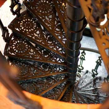 """Чугунная винтовая лестница """"вл-4105"""""""